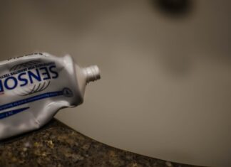 Can toothpaste get rid of acne?